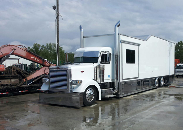 Sweet Race Car Hauler Outlaw Trucking