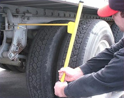 Persuader-Sliding Tandem Axle Pin Puller tool